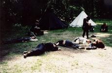 Eine seltsame Seuche dezimiert das Lager